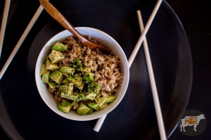 Tuna with Avocado Brown Rice Bowl - onebitemore