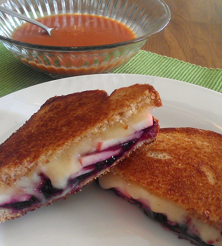 Brie Apple Blueberry Grilled Cheese