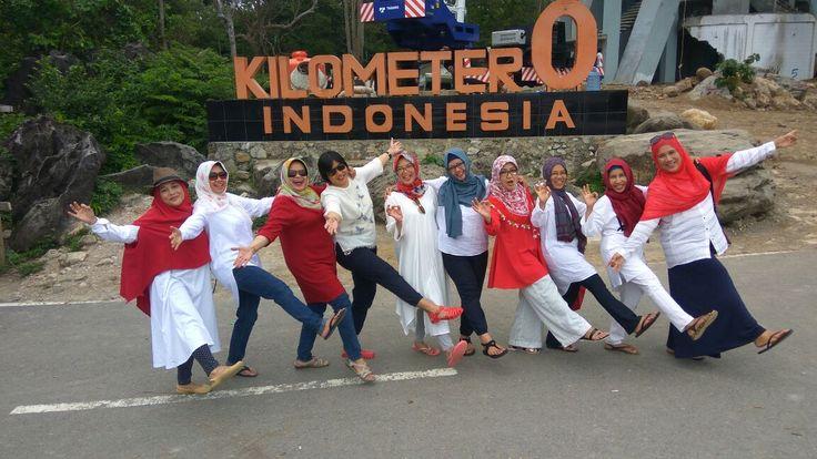 Keceriaan di Tugu Nol Kilometer Indonesia. Kamu kapan?? let's join us www.premierholiday.co.id  ______________________________________ #premierholiday #toursabang #bandaaceh #medan #wisatasumurtigasabang #bentengjepangsabang #wisata #aceh #acehinfo #weloveaceh #wisatahalal #wisatahalalaceh #aneukaceh #aneuknanggroe #happy #holiday #tour #jalanjalan #liburan #jelajah #penjelajahwisata #pesonaindonesia #visitindonesia #wisatawan #jakarta #tsunami #sabangisland #pulauweh