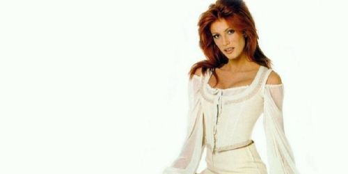 Angie Everhart Pictures - Angie Everhart Photo Gallery - 2016