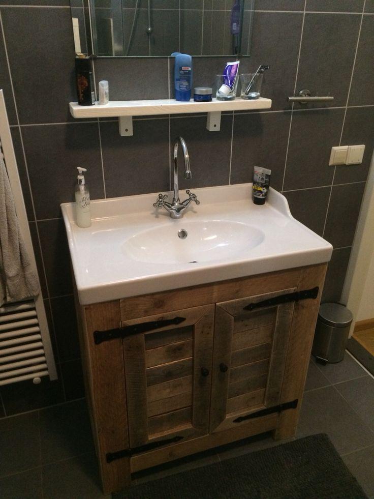 Badkamermeubel van steiger en sloophout
