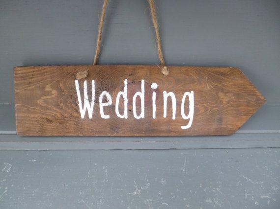Matrimonio rustico segno, segno della freccia, riciclato segno di legno, segno di legno, decorazione di nozze,