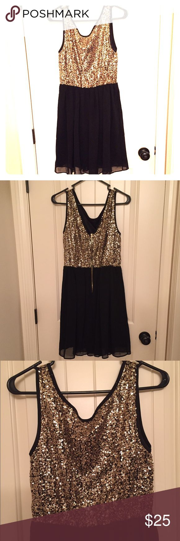 *SALE!* LAST CHANCE!* Gold and black sequin dress! Gold and black glitter dress. Never worn!! Was going to wear for New Years with some glitter pumps (see gold glitter shoes in my closet!) but didn't happen. Size medium!! Perfect for this time of year! Dresses Mini