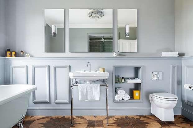 Deep paneling in the bathroom