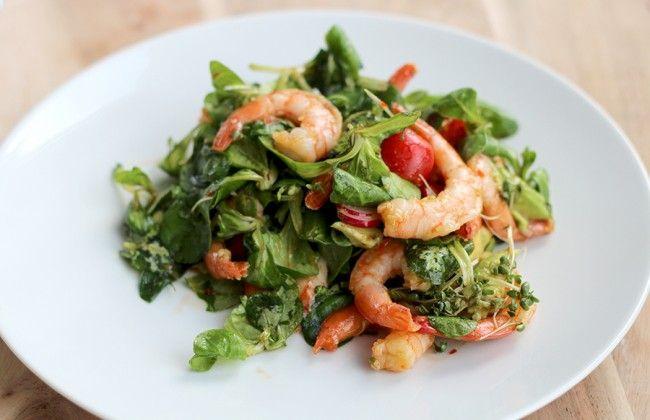 Culy Homemade: Aziatische salade met garnalen, avocado & radijs