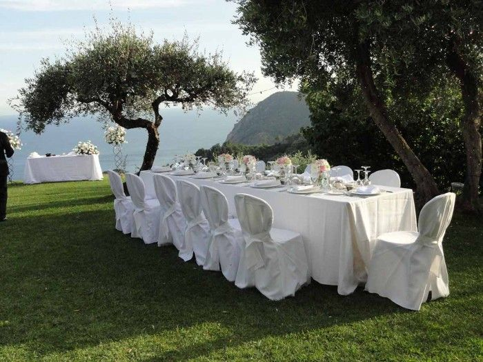 Setting for intimate outdoor wedding reception in the Cinque Terre
