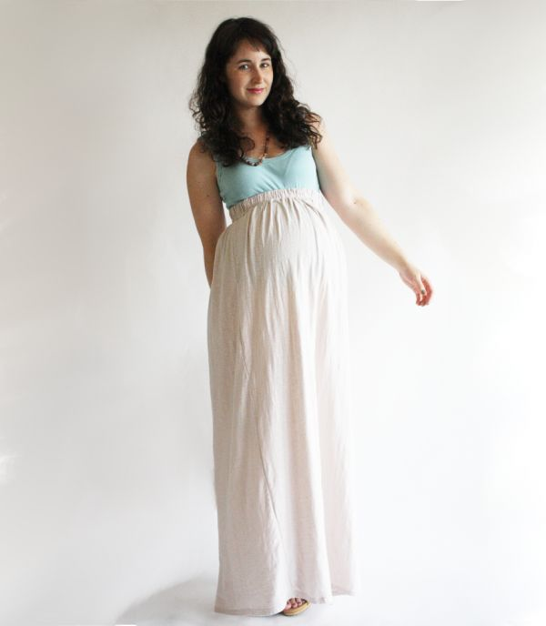 Though I do not need to make a maternity skirt, this maxi skirt pattern seems really easy, and I would love a jersey knit maxi. Add it to the list!