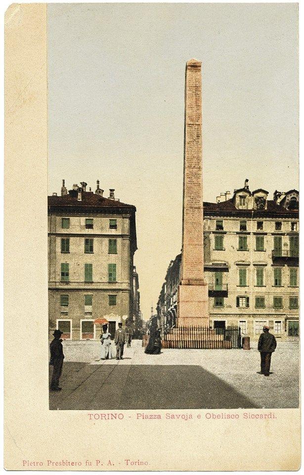 Torino , l'obelisco alle leggi Siccardi in Piazza Savoia