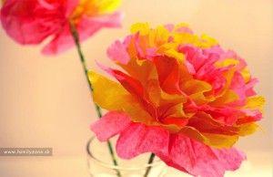 Návod na výrobu jednoduchého kvetu z papiera (zobrazí sa po kliknutí na obrázok).