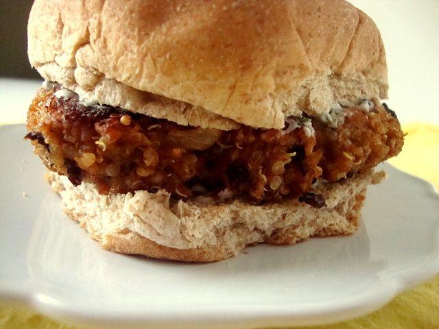 quinoa black bean burger: Quino Black Beans Burgers 3, Black Bean Burgers, Cilantro Lim, Bean Burger Recipes, Beans Burgers Recipes, Quinoa Black Beans Burg, Quinoa Burgers, Happy Recipes, Beans Quinoa