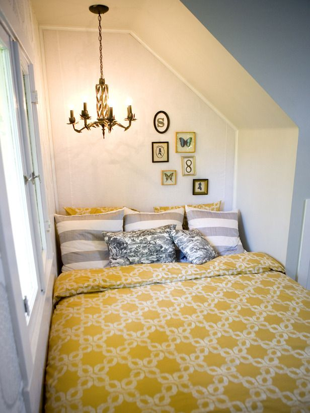 yellow nook bed