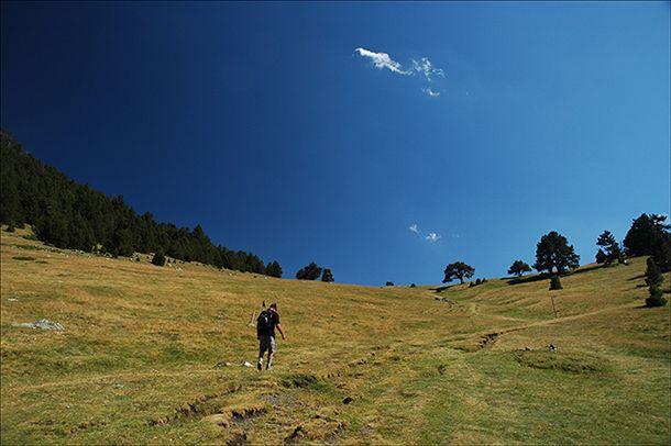 Safe #summer hiking tips | #OrganicSpa Magazine #fitness