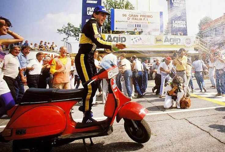 Vespa T5 Senna