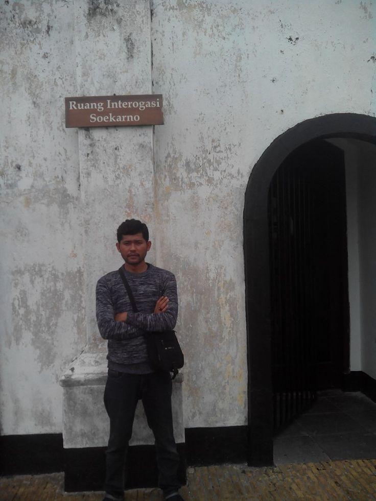 ruang inerogasi soekarno ( presiden RI ). benteng fort marlboroungh kota bengkulu