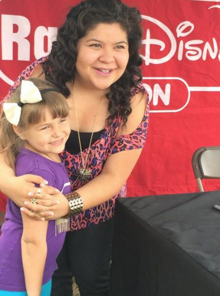 Photos: Raini Rodriguez With Fans In Houston April 5, 2014