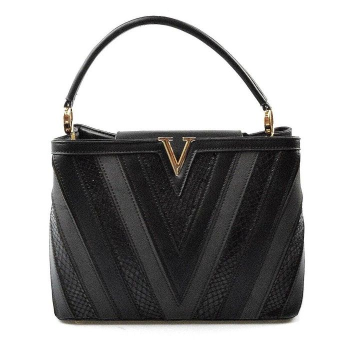 Menší sytě černá netradiční kabelka do ruky Tini