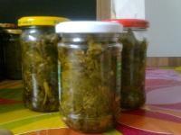 jarmuż duszony w aromatycznej, czosnkowej zalewie/kale in garlic brine