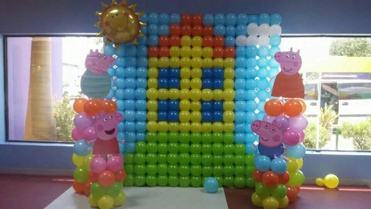 Ballon decor  Peppa Pig Party Birthday Ideas  Pinterest  Decor and ...