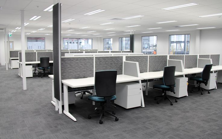 Trilogy workstation, grey screen dividers, Coz task chair, Power pole, power blade