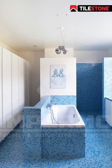 impermo, badkamertegel, wandtegel, moderne badkamer, tilestone, goedkope tegel, glasmozaïek, blauwe mozaïek inloopdouche, goedkope tegels