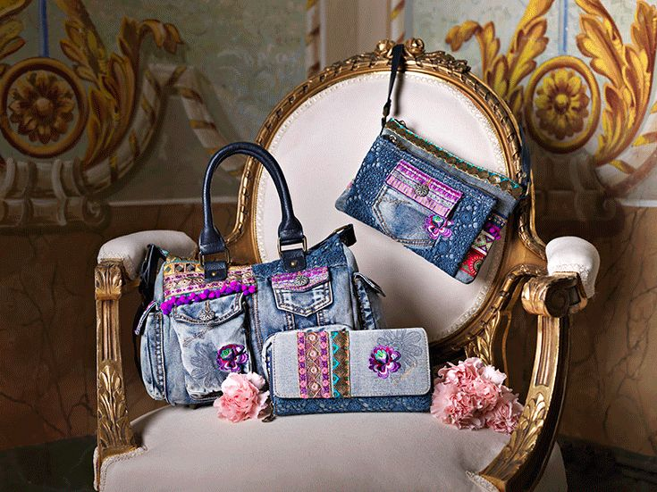 Exotic Jeans collection presents comfortable and practice bags in Denim. Discover them enjoying our sales!
