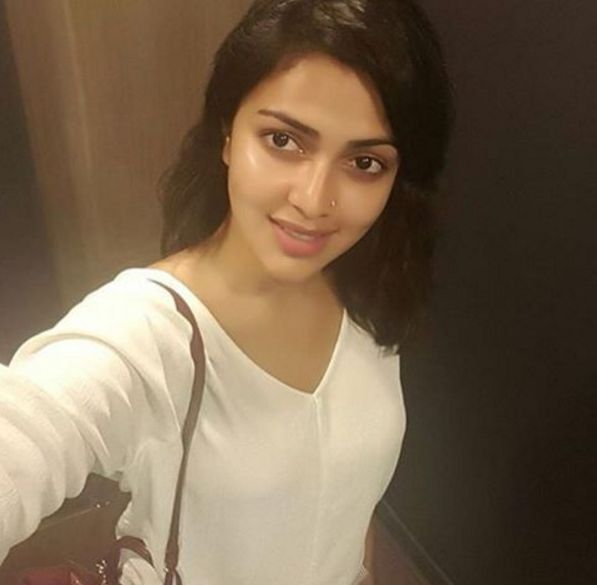 Amala Paul and Dhanush come together again - iFlickz