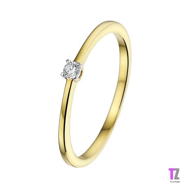 Geelgouden verlovingsring/aanzoekring met diamant. Kijk op www.trouwringen-zwolle.nl/verlovingsringen