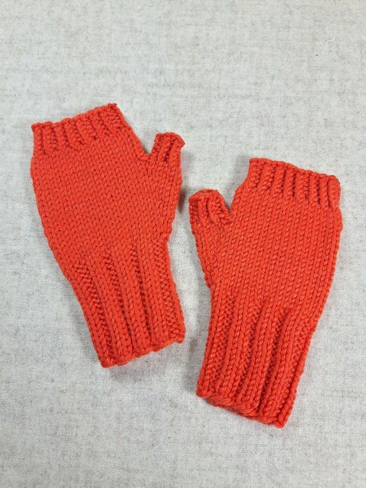 Kinderhandschuhe Kleinkind, orange, Länge ges. 13 cm, Breite 6 cm, Gewicht 16 g…