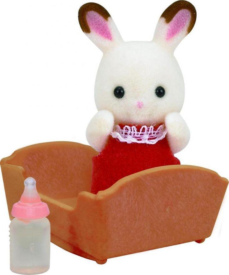 Η μικρούλα μου Crème λατρεύει τα κρουασάν σοκολάτας που φτιάχνει ο μπαμπάς της.  Πολύ συχνά το στοματάκι της είναι γεμάτο σοκολάτα.   Η μικρή μου είναι πολύ καλή φίλη με τα πουλάκια και μοιράζεται μαζί τους τα ψωμάκια της.
