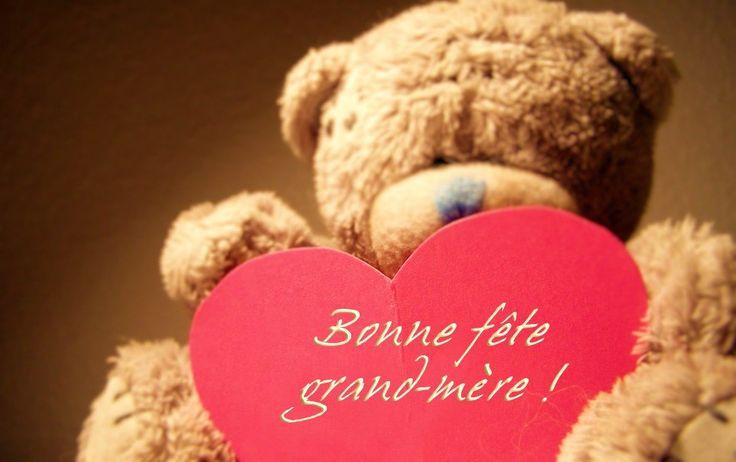 La Fête des grands-mères, c'est l'occasion d'offrir un présent original, composé par vous, avec les photos de ses petits-enfants, une broderie, un message #Gravissimo #LeBlog #Fête #GrandMère