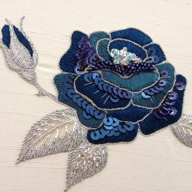 Blue rose #embroidery #blue #rose #beautiful #aariwork #ししゅう #刺しゅう #needle #日本刺繍 #japaneseembroidery #スパンコール #ビーズ #bead #flower #アリワーク #アアリワーク