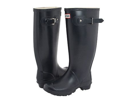 It's about time I get a pair of Hunter Wellies.  But according to reviews, I should get the Huntress.