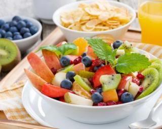 Salade tutti frutti pour petit-déjeuner minceur vitaminé : http://www.fourchette-et-bikini.fr/recettes/recettes-minceur/salade-tutti-frutti-pour-petit-dejeuner-minceur-vitamine.html