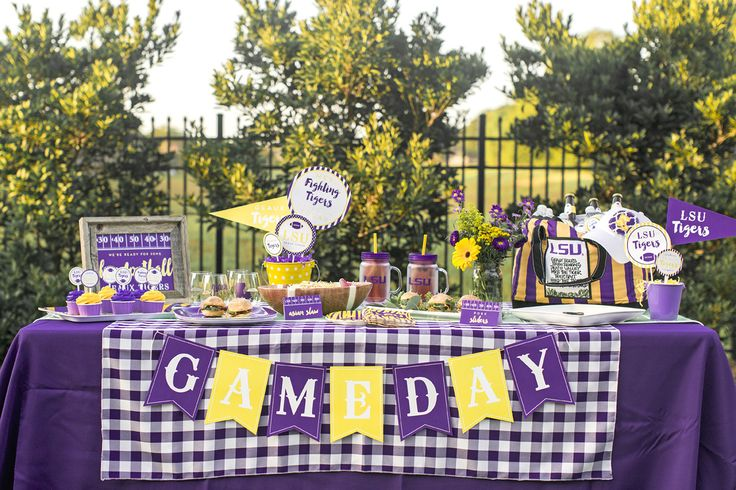 LSU Tailgate and recipes with accessories from Alumni Hall!