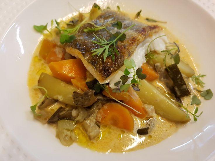 Un délicieux navarin de lieu jaune pour le plus grand bonheur de vos papilles ! #restaurant #food #fishing