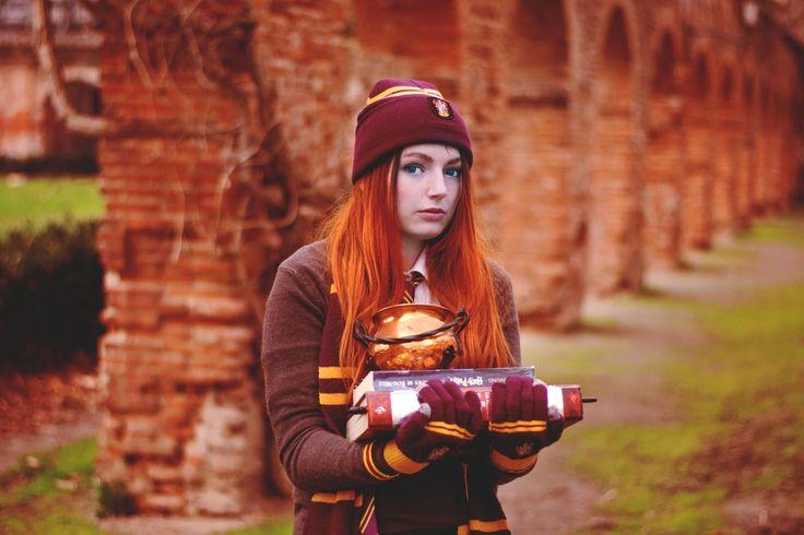 Gryffindor school uniform by Lanivia shop the products on cinereplicas.com