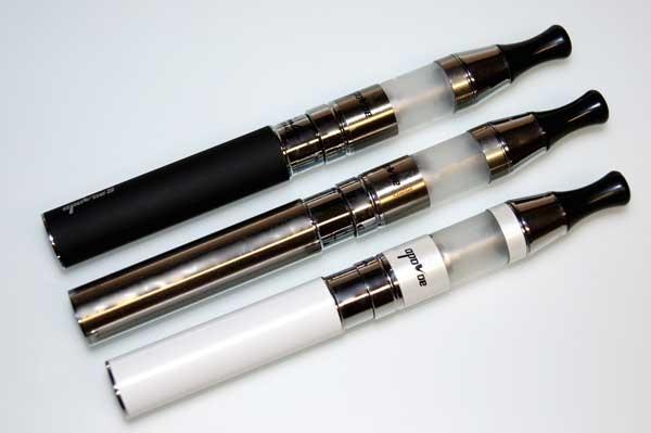 e-Zigarette APL-C9 mit APL580 Akku und dem neuen Apoloe C9 Verdampfer in chrome, black oder silvery-white