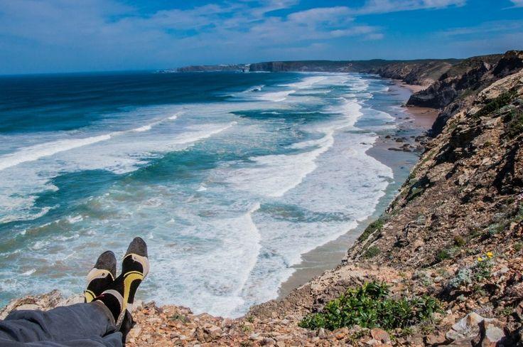 #EearthDay #GiornataMondialeDellaTerra #LoveOurPlanet  Pic byGiulio CuccioliiTrekkilandiaa #CalzeGMpeople #CALZEGM #Portogallo #trekking #maifermi