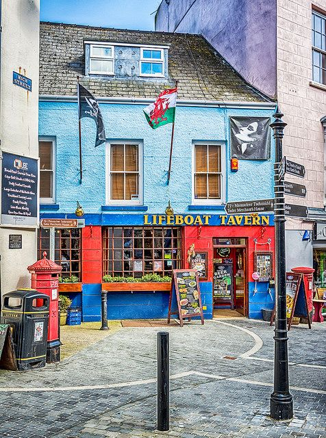 ~ The Lifeboat Tavern ~ Tenby ~ Pembrokeshire ~ Wales ~ UK ~