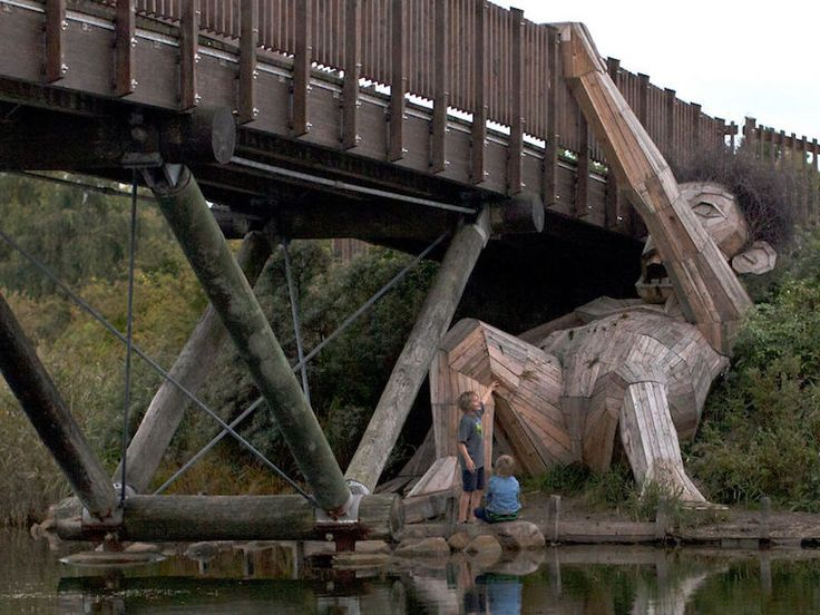 Oscar Under the Bridge - Thomas Dambo  Artist Hides Giant Sculptures in Copenhagen Forest