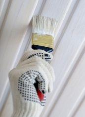 Holzdecke mit weißer Farbe streichen - Anleitung