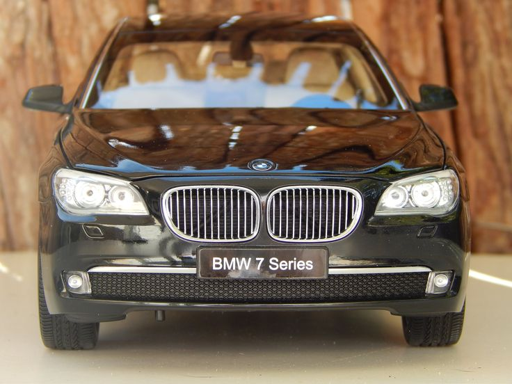 BMW  760 Li 1/18 DIECAST MODEL CAR KYOSHO hd