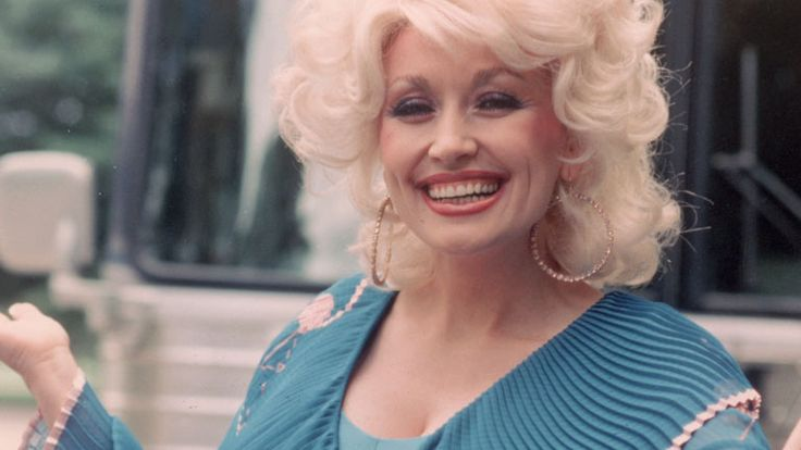 Dolly Parton Turns 70 Today, Let Us Rejoice Together