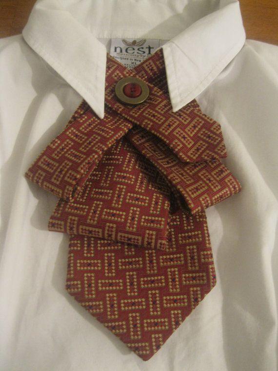 Upcycled Krawatte Halskette mit ein lustiges von TiesnButtons