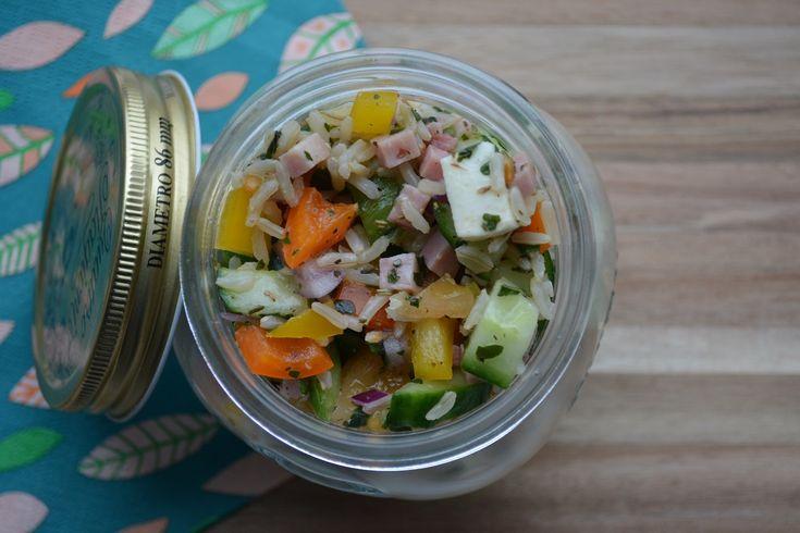Voor deze koude rijstsalade moet je 12 SmartPoints tellen bij Weight Watchers.