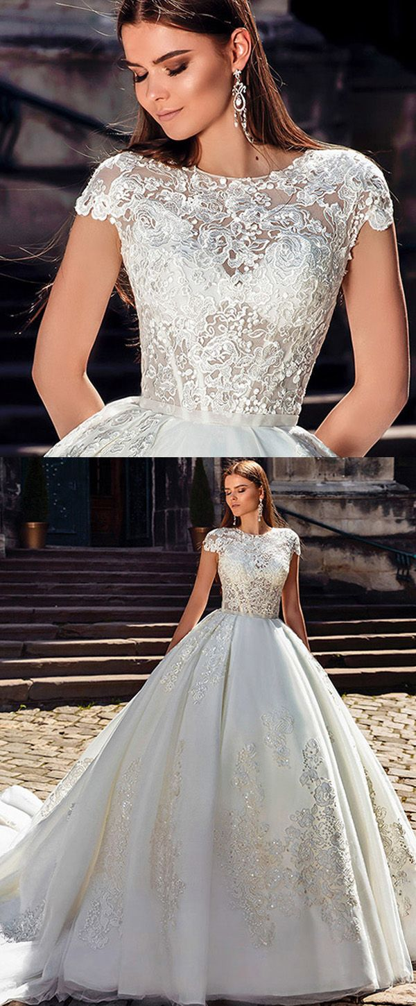 Gorgeous Tulle Jewel Neckline Ball Gown Wedding Dresses With Lace Appliques