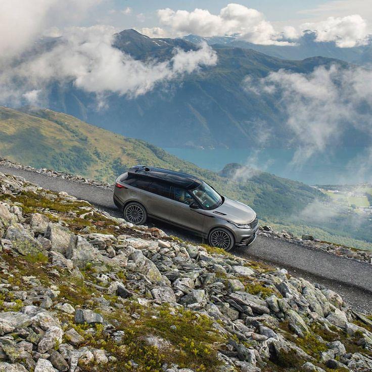 "10.7k aprecieri, 22 comentarii - Land Rover USA (@landroverusa) pe Instagram: ""Unparalleled experiences; down to a fine art. #RangeRoverVelar"""