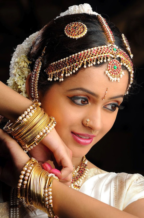 classical dancer ...she is a notable actress too