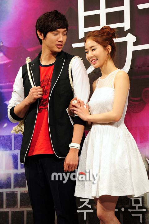 Yoo In Na confirms that she is dating Ji Hyun Woo ~ toomanyfeelsIcan'tevenohmygoodnessaigootoosweetaaaaaaaaaaah. *_*