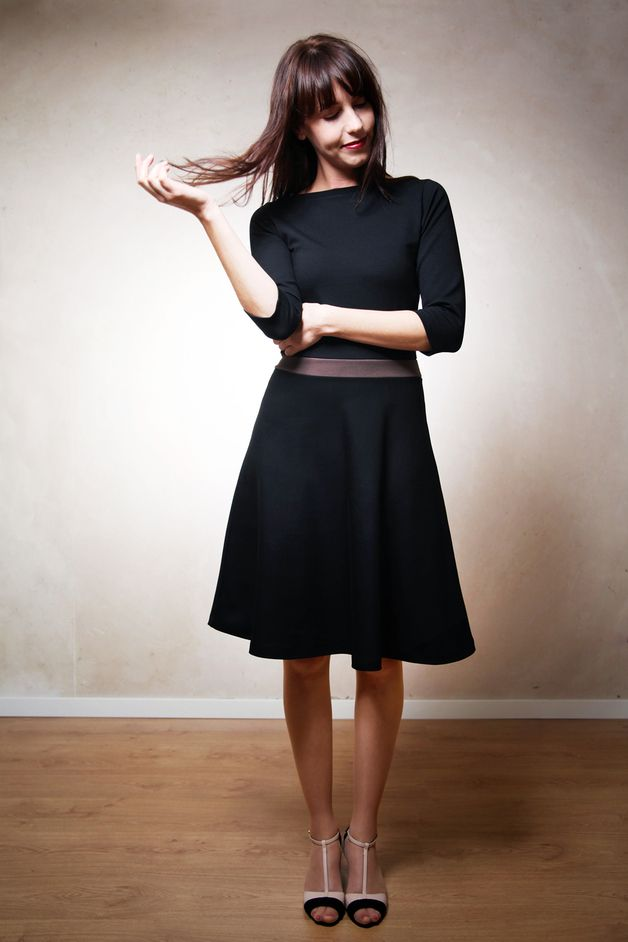 Festlich zum Weihnachtsabend: Schwarzes Winterkleid, Midi Länge / perfect christmas outfit, classy but comfy black dress, midi by Mirastern via DaWanda.com